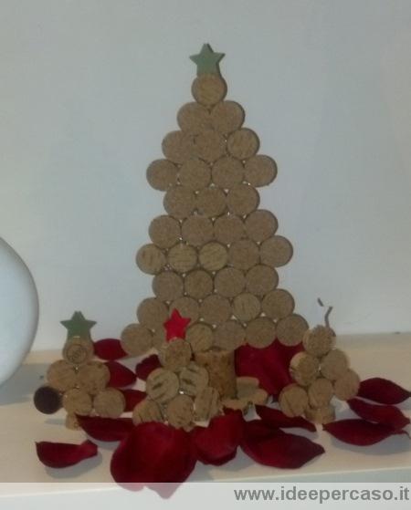 Come fare alberelli di natale con i tappi di sughero - Decorazioni natalizie legno fai da te ...