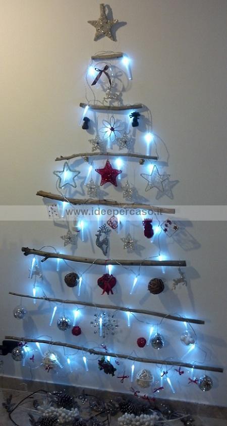 Albero di Natale da parete fai da te con legno riciclato