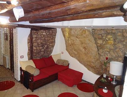 Rivestire Un Muro Con Pietra è Estremamente Decorativo Ed Innovativo ...
