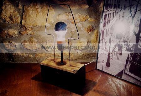 Lampada eco design artigianale in legno e ferro riciclato for Oggetti minimal