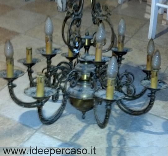 Un vecchio lampadario in ottone si trasforma in stile shabby for Lampadario stile shabby