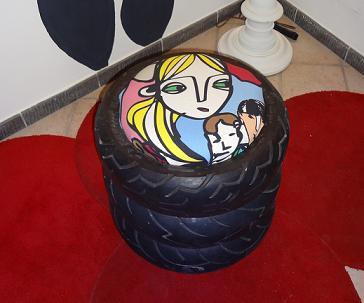 Un pouf realizzato con le gomme dello scooter for Pouf fai da te