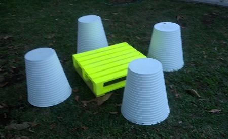 Tavolo da giardino costruito riciclando vecchi pallets - Porta scottex ikea ...
